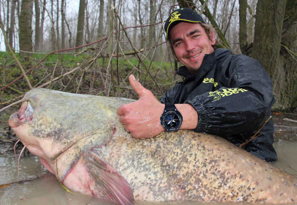 Professional angler Seuss relies on the PRO TREK watch from CASIO