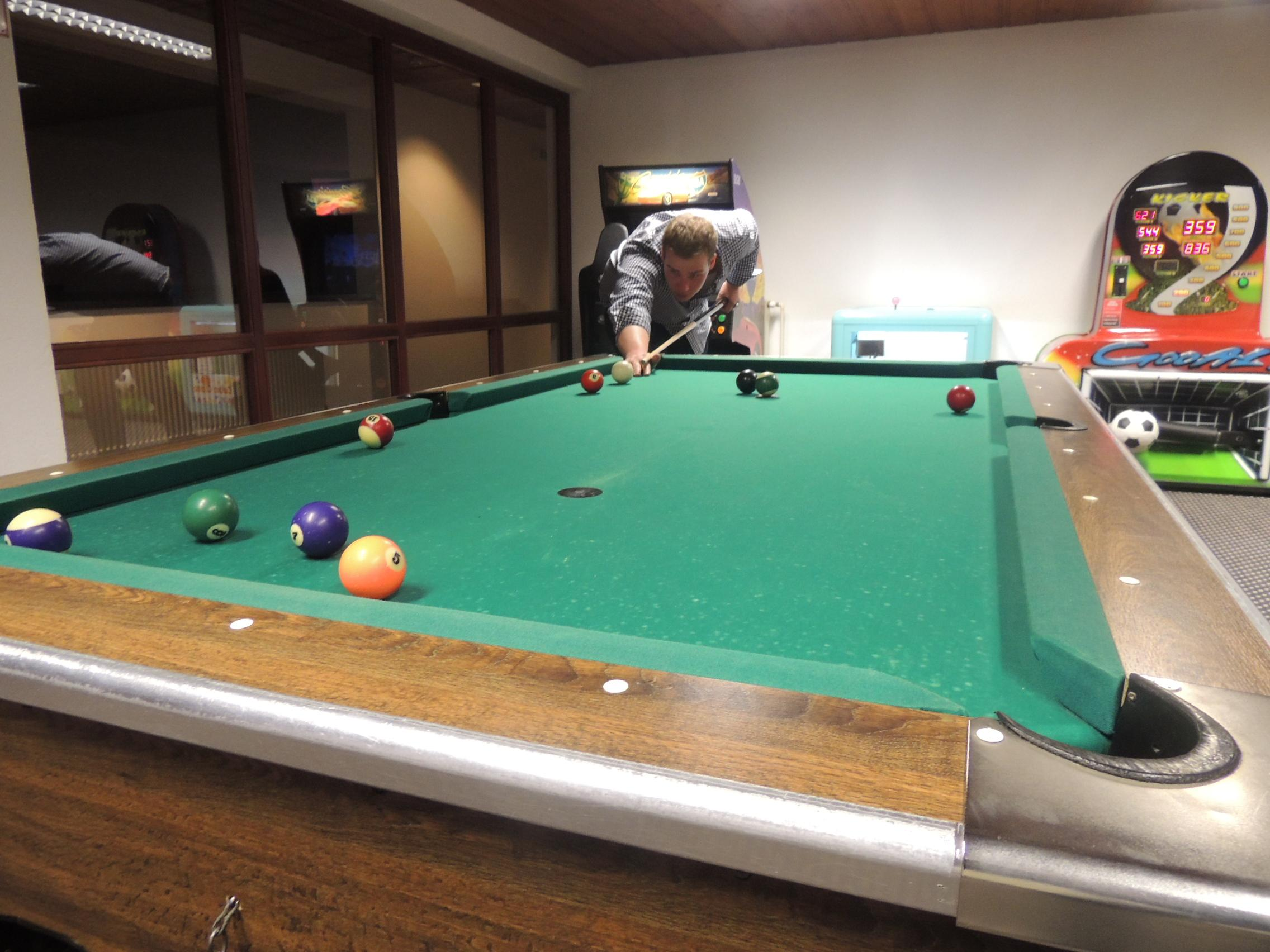Billard in Charlys Pub