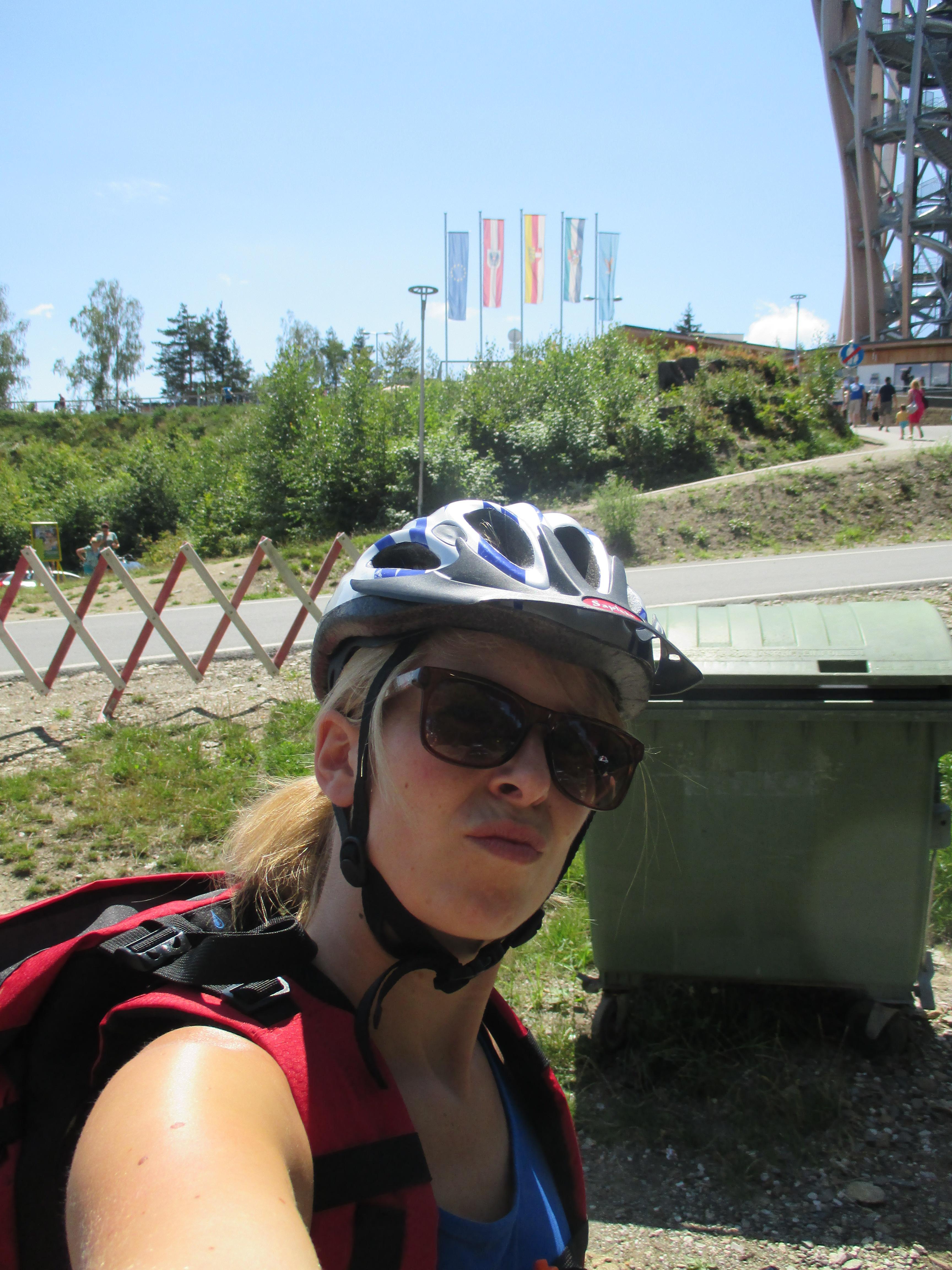 Feli kurz vor dem Start der Mountainbiketour